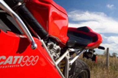 Ducati 999 entra nel mondo del custom e fa subito notizia