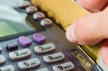 Scheda carburante: i pagamenti elettronici la sostituiscono