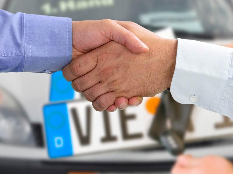 Passaggio di propriet auto come fare e quanto costa for Quali sono le dimensioni di un garage per due auto