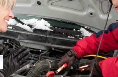 Come avviare la batteria di un'auto congelata