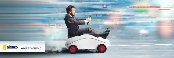Auto connessa a internet: vantaggi e svantaggi