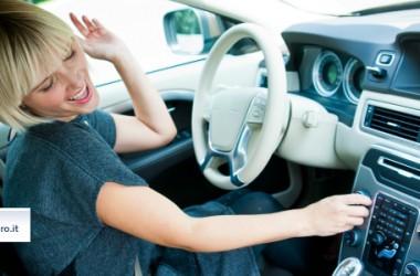 Canzoni da ascoltare in auto: scegli la tua playlist preferita