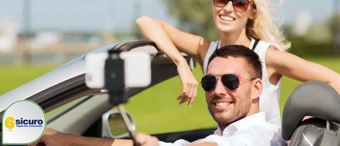 selfie in auto