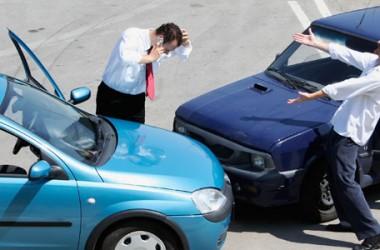 Incidente con un'auto senza assicurazione: cosa fare?