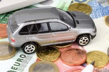 Assicurazione auto: la denuncia del Movimento 5 Stelle