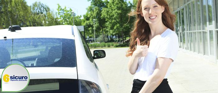 auto elettriche vantaggi svantaggi