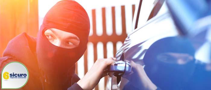 furto auto a noleggio