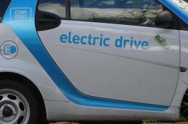Auto elettriche e guida autonoma: il parere di John Elkann