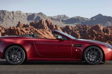 Doppia chiusura: Aston Martin richiama 6 mila auto