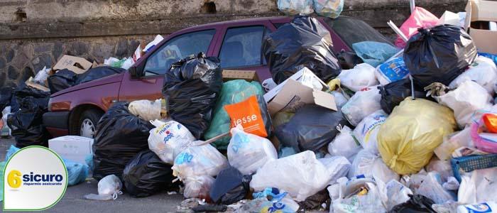 buttare i rifiuti dal finestrino