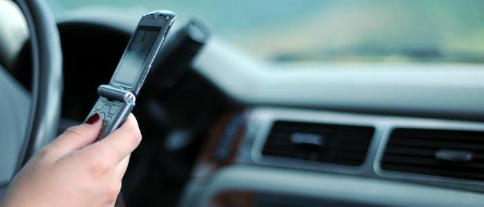 cellulare in auto