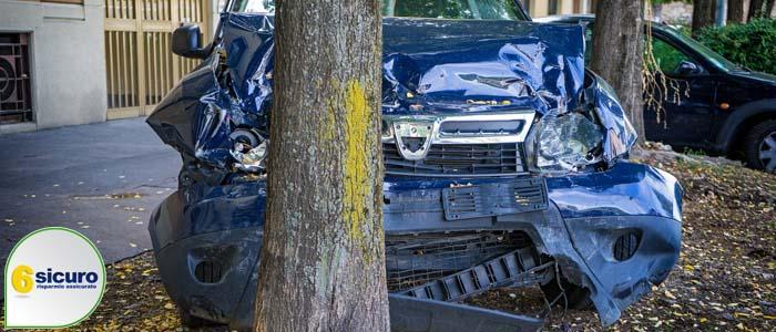 incidenti contro alberi