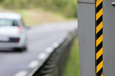 Autovelox nascosto: la multa è valida?