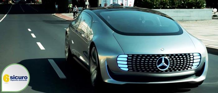 Assicurazione auto: il futuro con la guida autonoma