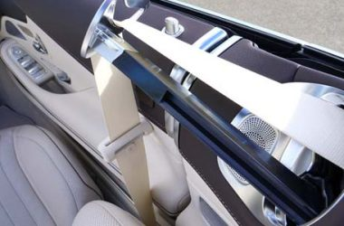 Cinture di sicurezza: quasi nessuno usa le posteriori