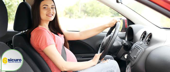 Cintura di sicurezza in gravidanza: come usarle, esenzione ...