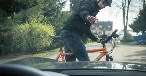 Sorpasso bici almeno un metro e mezzo per le auto for Garage per due auto e mezzo