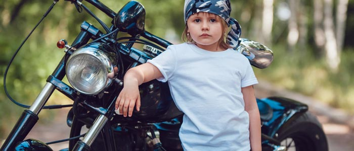 Motorcycle insurance flexible policies with ancillary guarantees