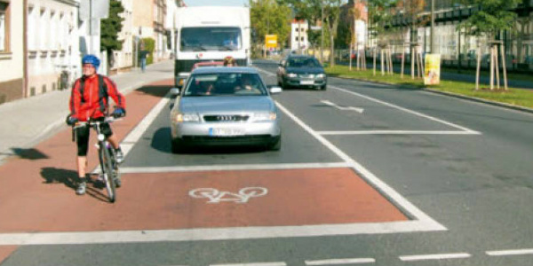 casa avanzata biciclette semaforo
